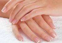 Названы проблемы с ногтями, которые могут «говорить» о разных заболеваниях