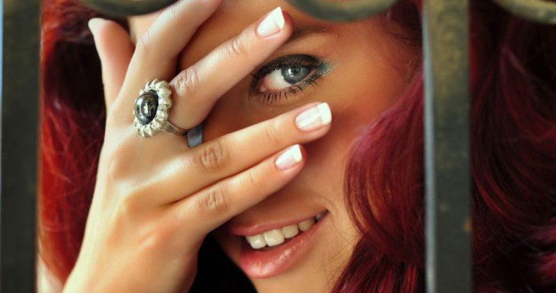 Длина указательного пальца у женщин – показатель уверенности