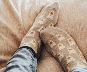 Преимущества сна в мокрых носках для здоровья