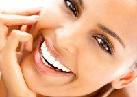 Белоснежная улыбка: 11 лёгких способов отбелить зубы в домашних условиях