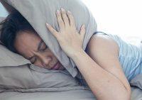 Наука не может установить причину ворчания после недосыпа
