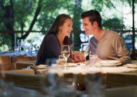 Брак помогает мужчинам жить дольше, но сокращает жизнь женщинам