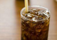 Любители диетической колы в итоге злоупотребляют калориями