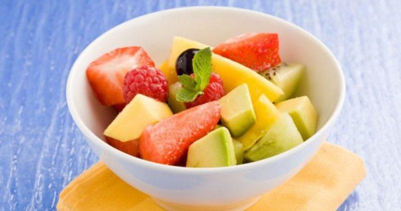 Диетолог Елена Знахаренко назвала пять правил питания в летний сезон