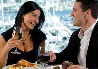 Треть женщин ходят на свидания ради бесплатного ужина в ресторане