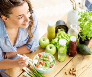 Быстрый прием пищи приводит к проблемам со здоровьем и лишнему весу