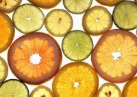Диетолог разрушил мифы о пользе витамина С