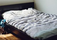 Эксперты рассказали, как часто следует стирать постельное белье