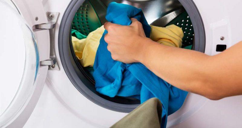 Эксперты советуют стирать белье в холодной воде