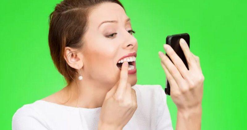 7 средств для отбеливания зубов, которые можно найти дома