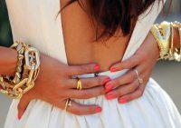 Как и с чем носить золотые украшения