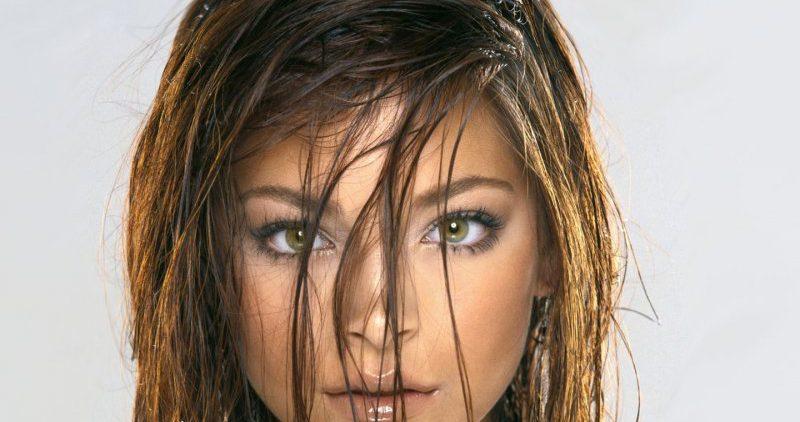 Трихолог рассказала об ошибках, из-за которых волосы выглядят грязными