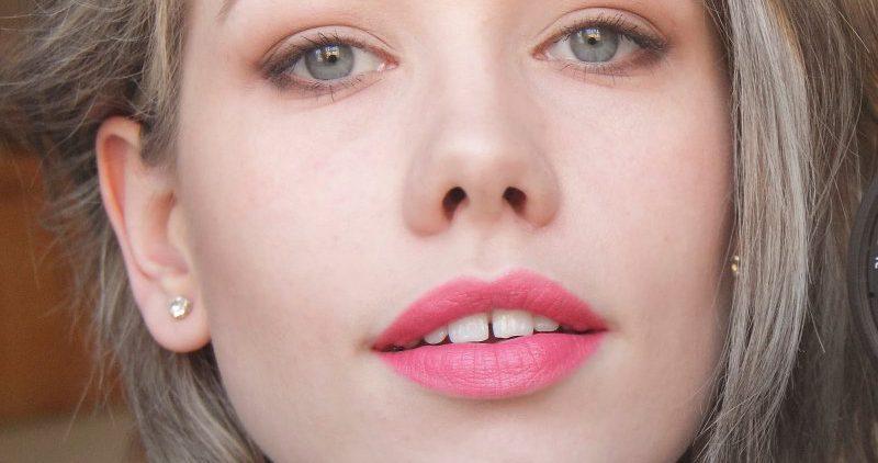 Как с помощью макияжа выглядеть моложе – хитрости и трюки