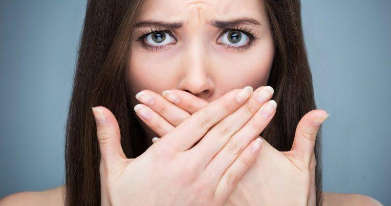 4 способа избавиться от неприятного запаха изо рта