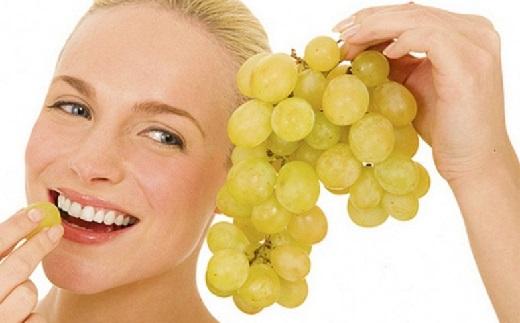 С помощью винограда можно похудеть