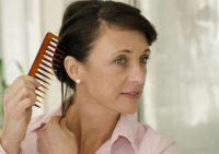 Выпадение волос: 10 причин, которые делают это серьезной проблемой
