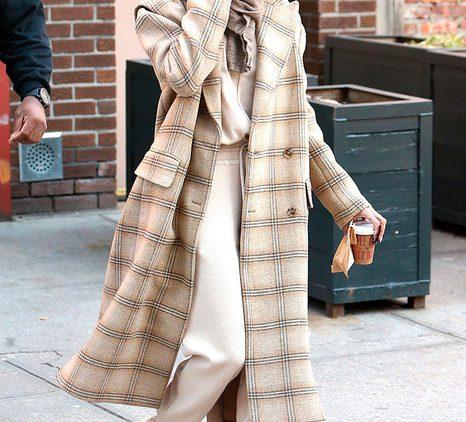 Как модно носить пальто весной-2020