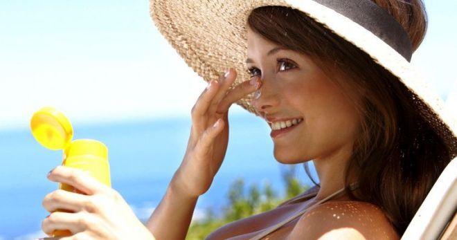 Как правильно увлажнять кожу лица: 5 главных ошибок в использовании крема