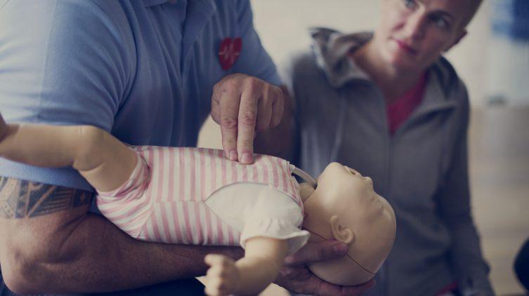 Как использовать памперсы, чтобы не навредить ребенку?
