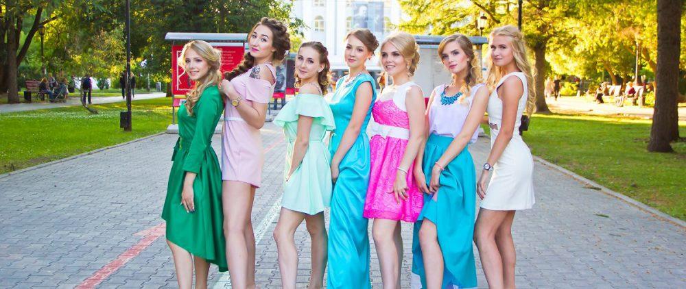 Модные выпускные платья нынешнего года