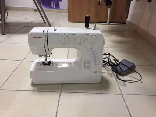 Швейная машина Janome SW14 — все, что надо женщине
