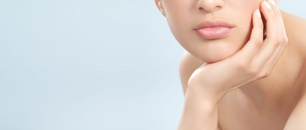 Губы становятся тоньше с возрастом: почему это происходит и что с этим делать