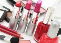 Использование косметики может привести к раннему началу менопаузы
