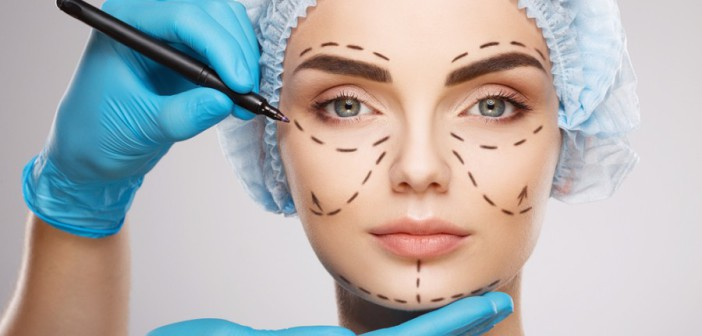 Подтяжка лица без операции: самые популярные аппаратные методики и риски