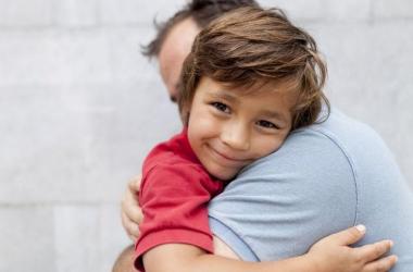 Что делать, если ребенок боится разлуки с вами