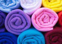 Флис — уникальная ткань для пошива одежды и домашнего текстиля