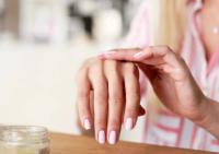 Так пахнет богатство: 7 женских ароматов для деловой встречи