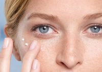 Как убрать синяки под глазами в домашних условиях