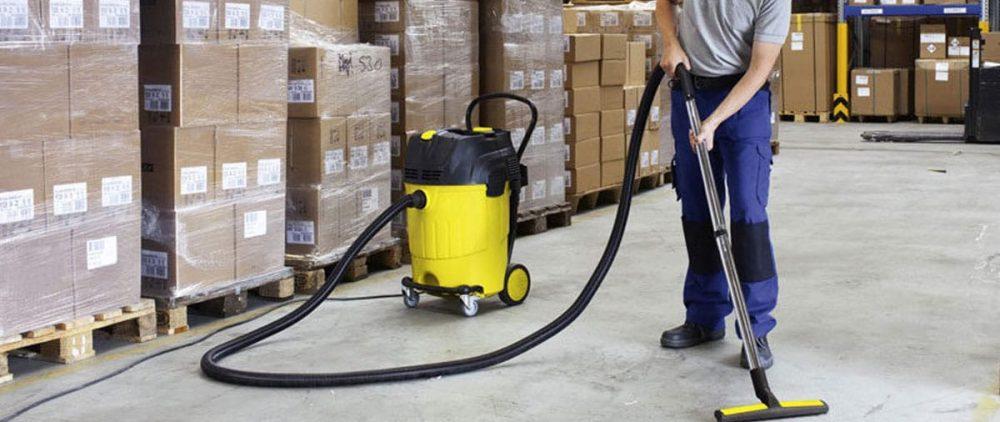 Особенности проведения уборки на складах