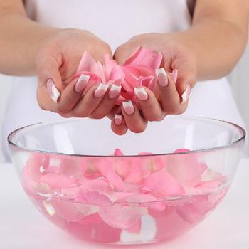 Розовая вода, секрет красоты и здоровья
