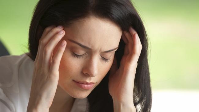 Почему могут болеть корни волос?