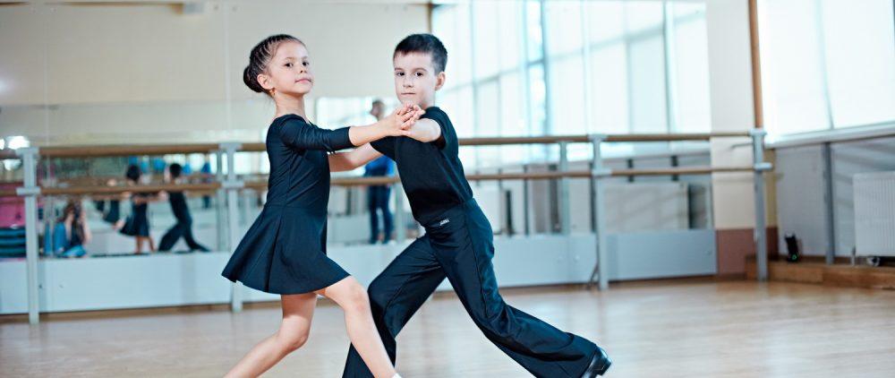 Зачем детям спортивные бальные танцы
