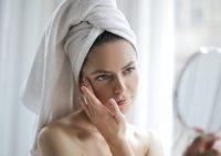Стереть морщины с лица: можно ли победить возраст?