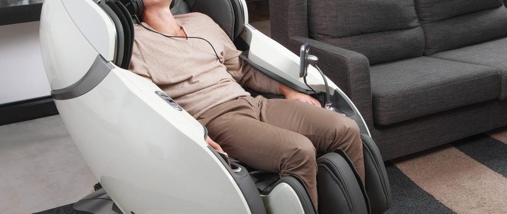 Может ли массажное кресло casada заменить массажиста?