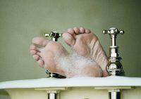 Грибок стопы: причины, симптомы, лечение