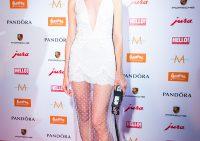 Звездный тренд — прозрачные юбки: для тех, кто уверен в своих ногах