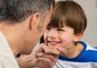 Язык тела ребенка: 11 жестов для общения